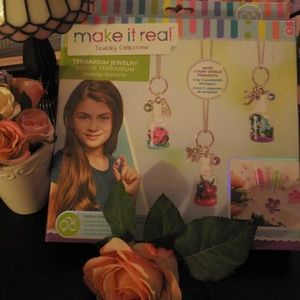 Creative Kids terrarium jewelry making kit